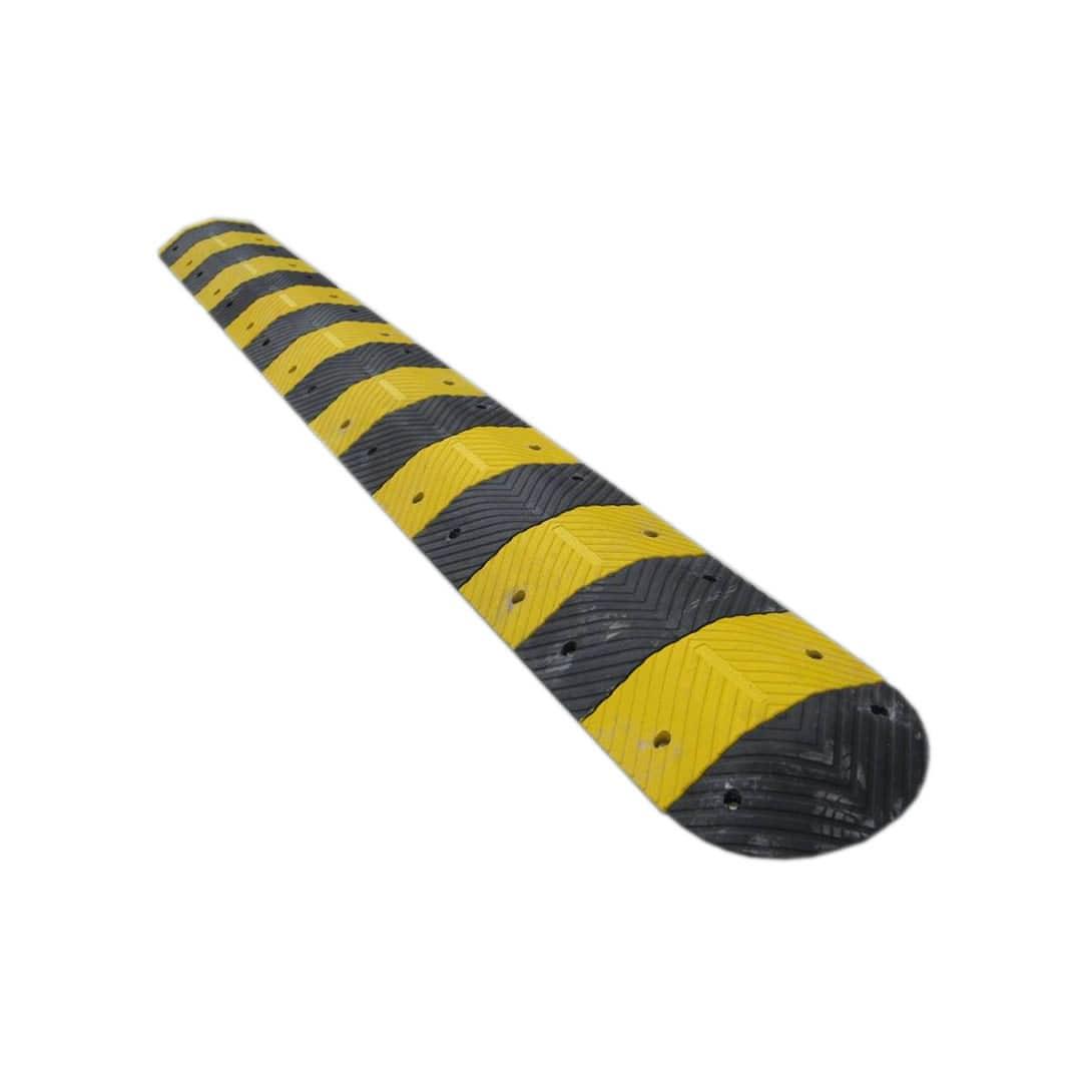 Polite rubber speed hump
